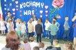 ˝…to dla Was, kochani rodzice…˝ – przedszkolaki zCzerwonki świętują Dzień Mamy iTaty.